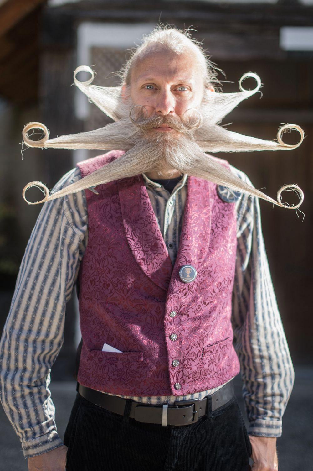 Конкурс бородачей и усачей во Франции