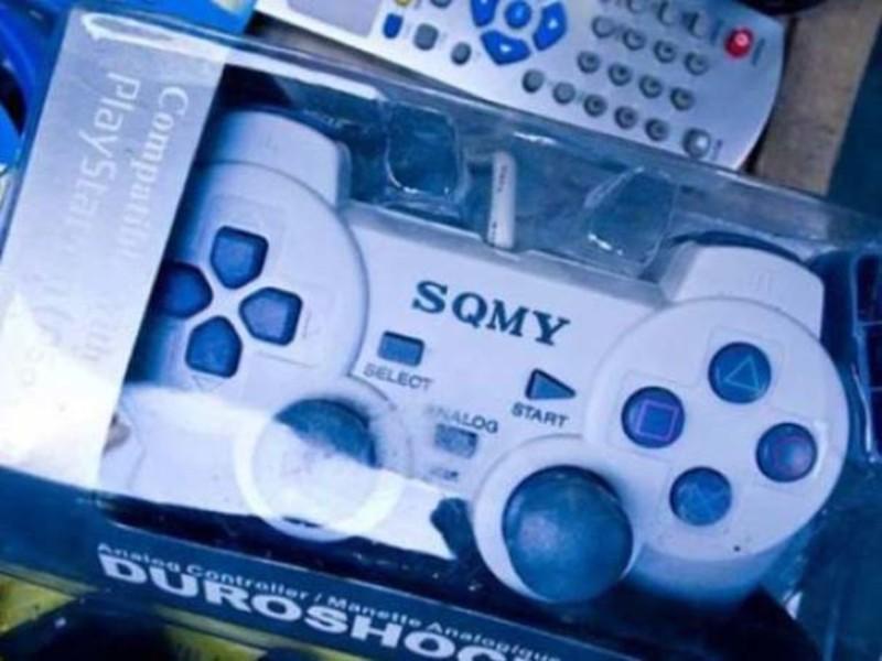 А также конкурент FONY — фирма SQMY. Их фишка — джойстики Duroshock.