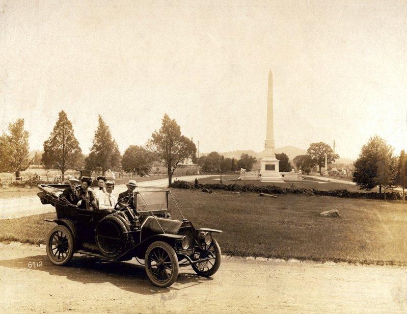 1909 – 1910 Cadillac Demi-Tonneau