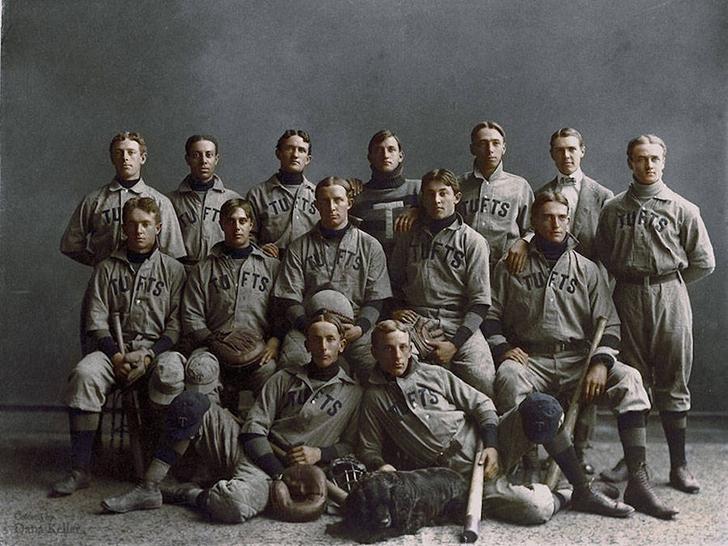 Университетская бейсбольная команда «Тафтса», студийный снимок, 1890 год.