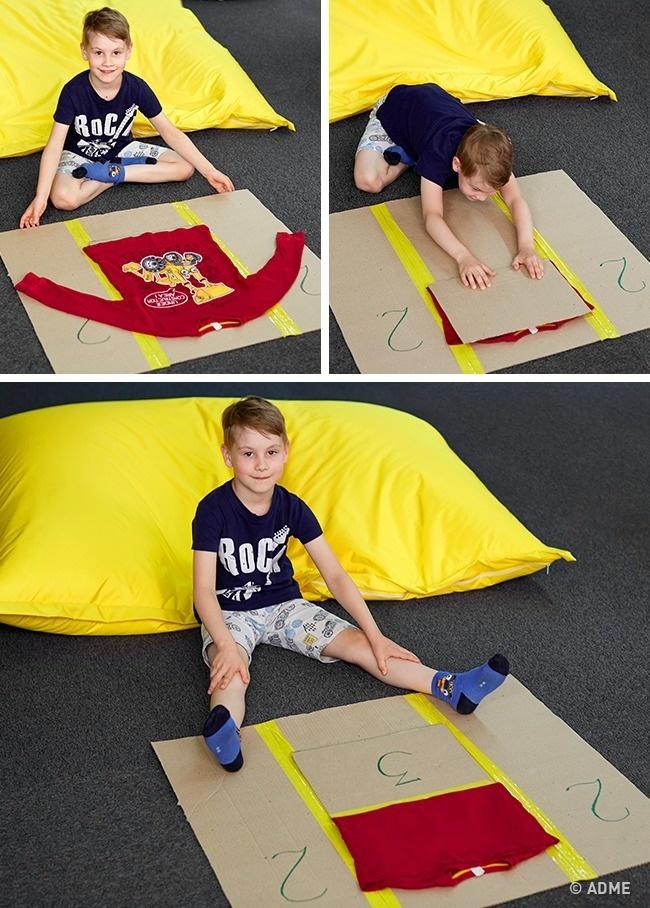 Чтобы ребенок судовольствием складывал свою одежду, изготовьте для него очень простое приспособлени