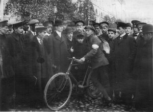 Велосипедист Л.И.Нагорный на состязаниях