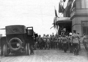 Прибытие императора Николая II на скачки