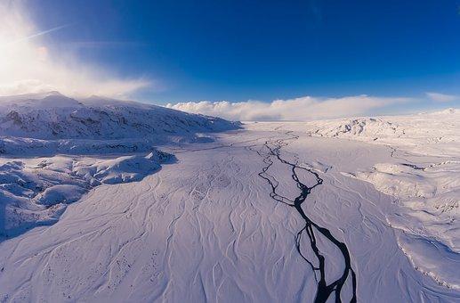 Оползни наЦерере указали насуществование скрытого водного льда