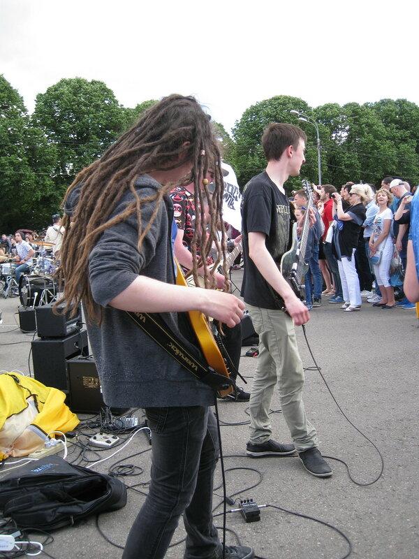 рок музыка в парке горького