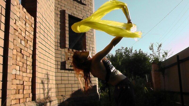 танец живота с веерами