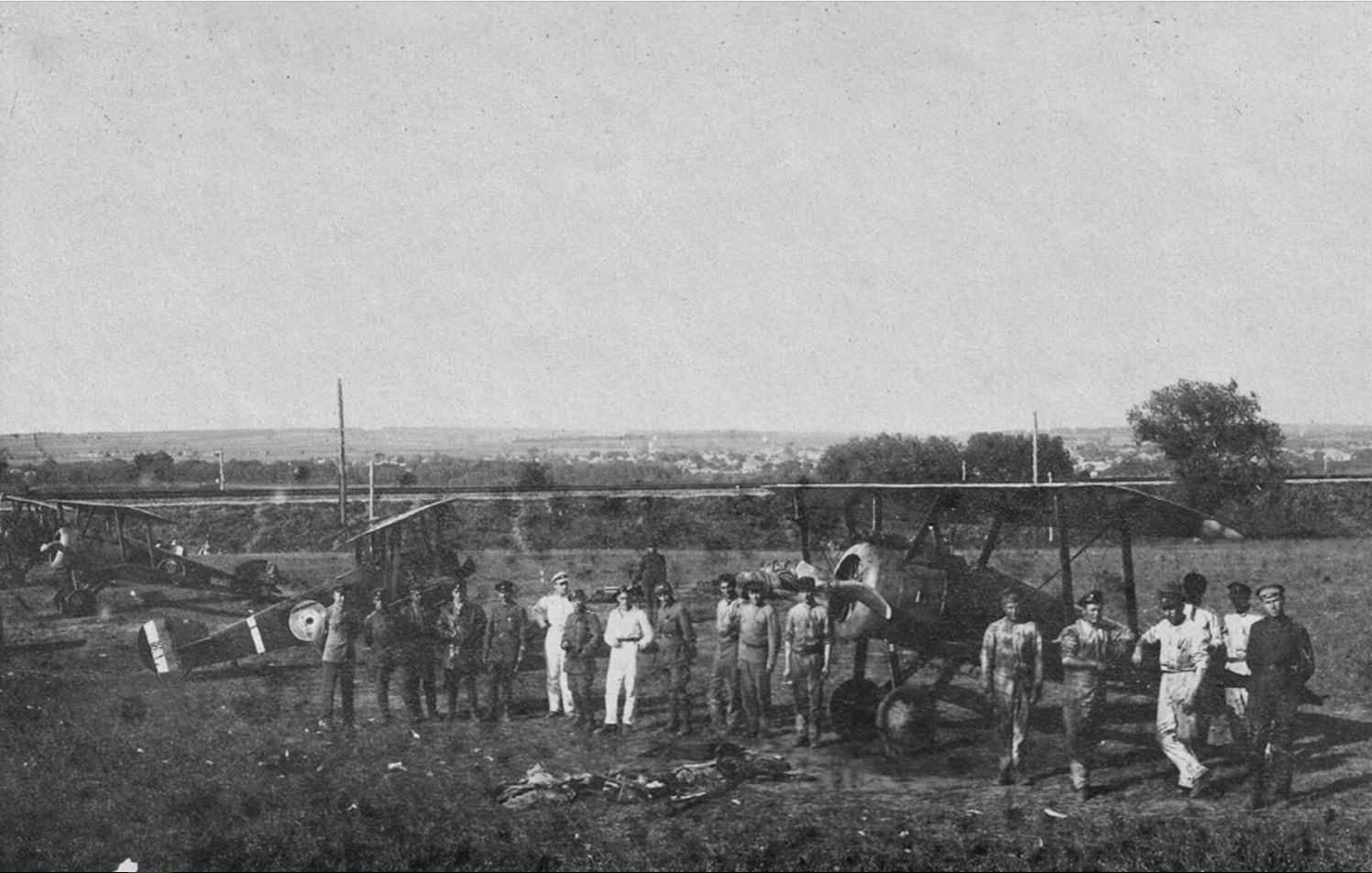 Машины 6-ого самолетного отряда Донской авиации под Харьковом. 1919