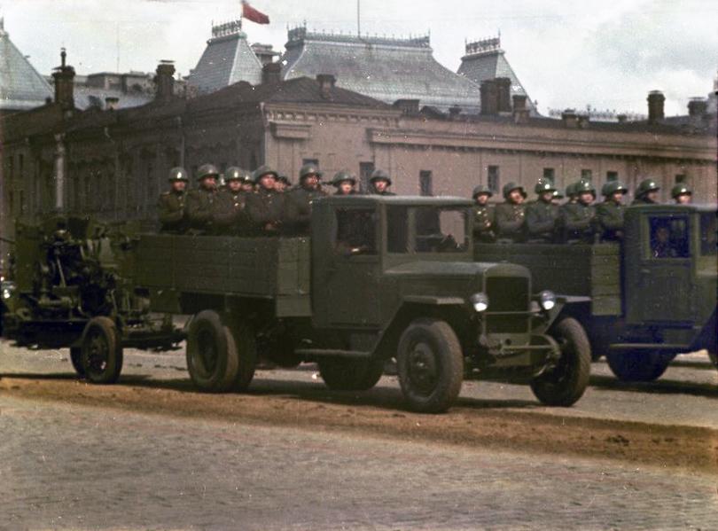 1947 Первомайская демонстрация 1947 г. в Москве. Владислав Микоша8а.jpg