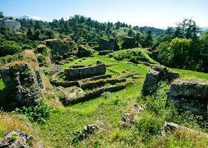 Крепость Петра - самая известная достопримечательность окрестностей