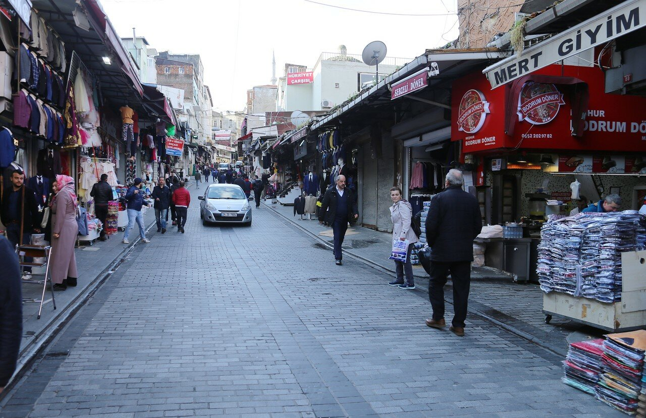Стамбул. Улица Махмутпаша (Mahmutpaşa Ykş)