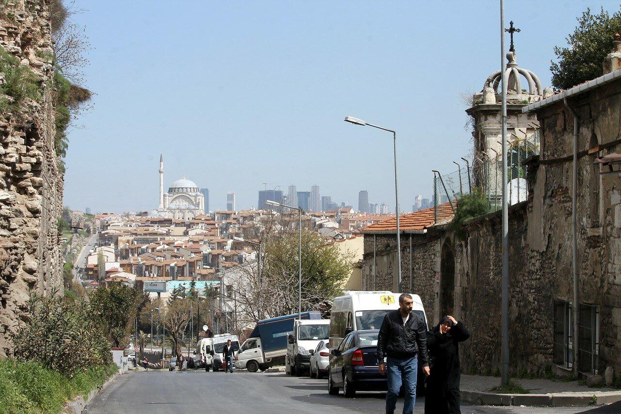 Istanbul. Street Sulukule (Sulukule Caddesi)