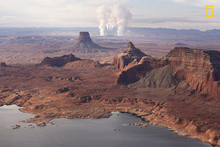 2. Арктические отражения. (Фото Mike Leske | National Geographic Your Shot):