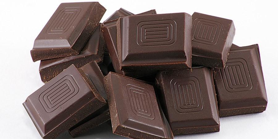 10. Исследования показали, что черный шоколад улучшает память, внимание, время реакции и навыки реше