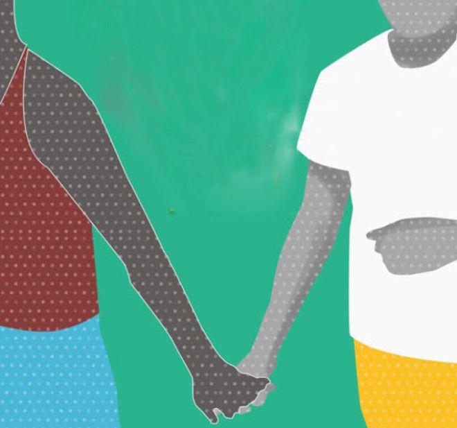 Такое положение рук как правило сопровождается не сильным сжатием ладони партнера. Люди, которые дер