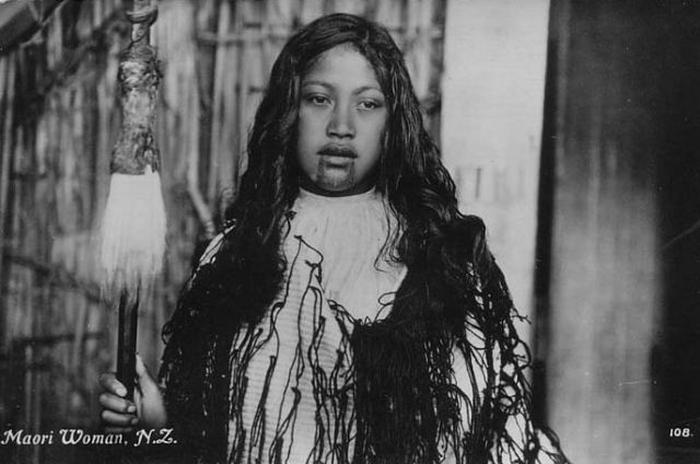 Женщины маори со священными татуировками в портретах начала 20 века (15 фото)