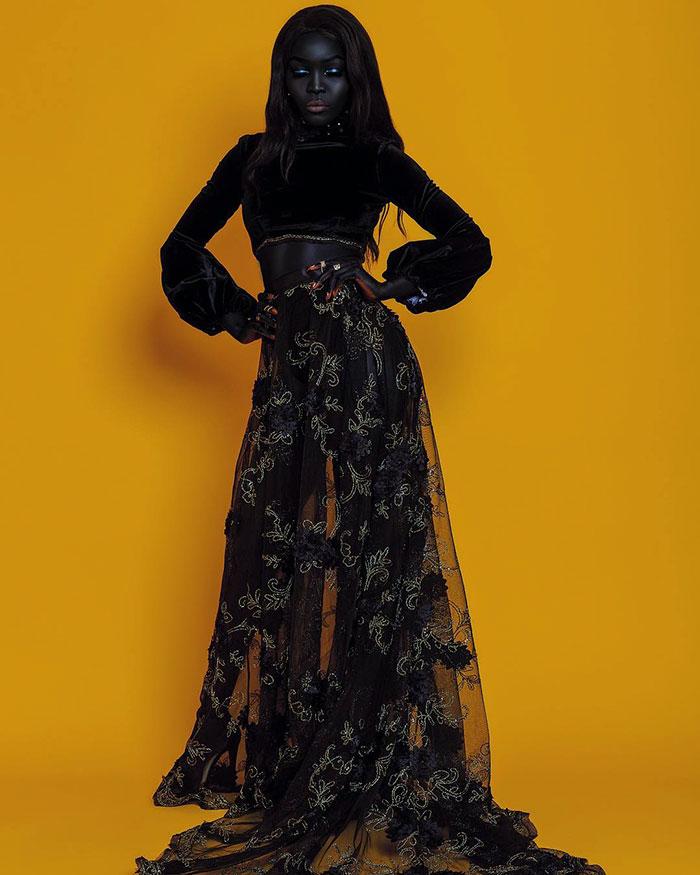До того как к модели из Южного Судана пришел успех, ее уникальная красота не была столь ценима.