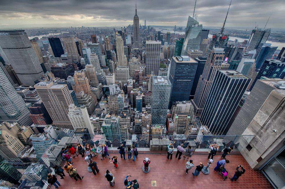 4. Париж и Эйфелева башня. (Фото Ata Adnan | NatGeo Cities Travel Photographer of the Year 2017):
