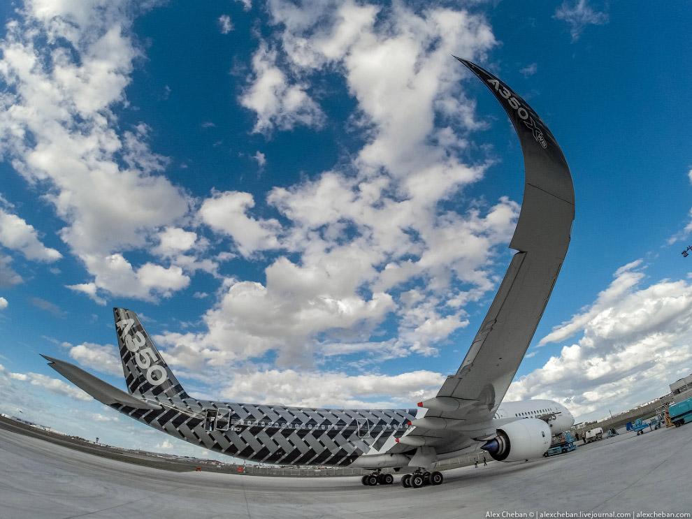 3. В конструкции A350 широко использованы новейшие материалы. 52 % от веса самолёта составляют
