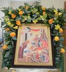 Флористы продолжают украшать Свято-Троицкий кафедральный собор