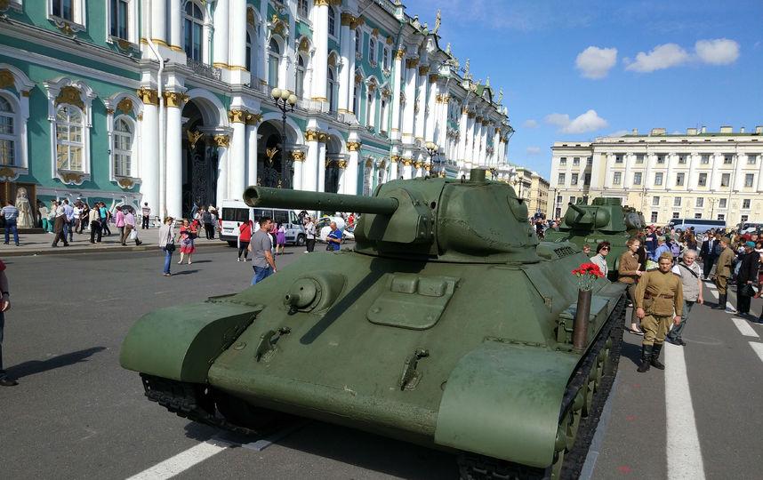20170808_16-55-Военная техника прибыла на Дворцовую площадь~pic06