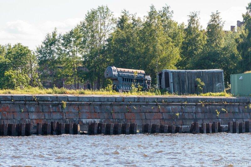 Старый двигатель, Форт «Кроншлот», Кронштадт