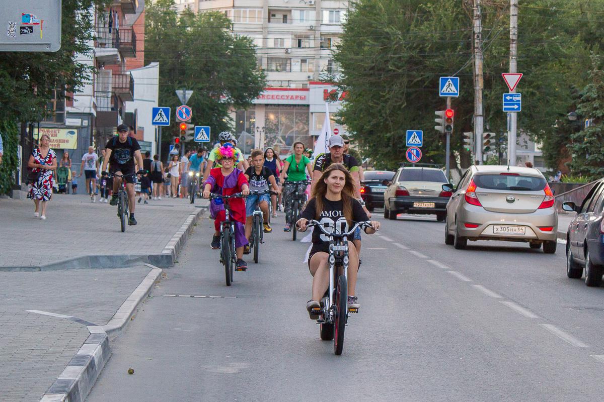 велопарад Леди на велосипеде фото 1