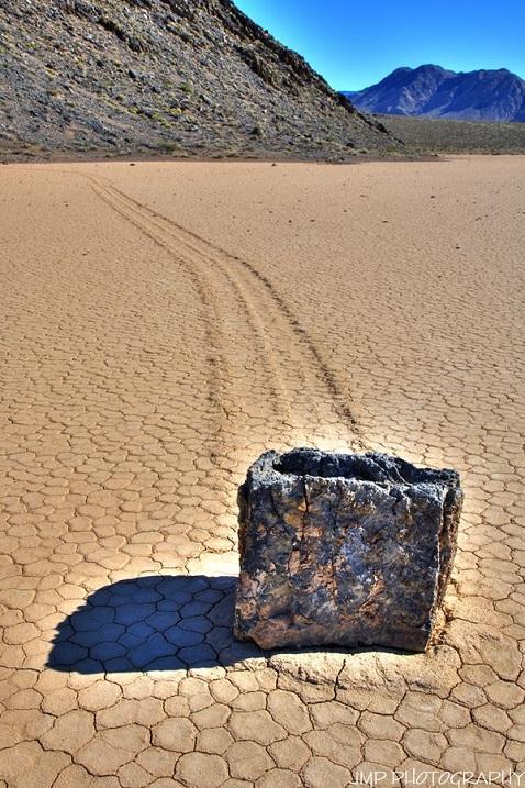 10-Блуждающие камни в Долине смерти.jpg