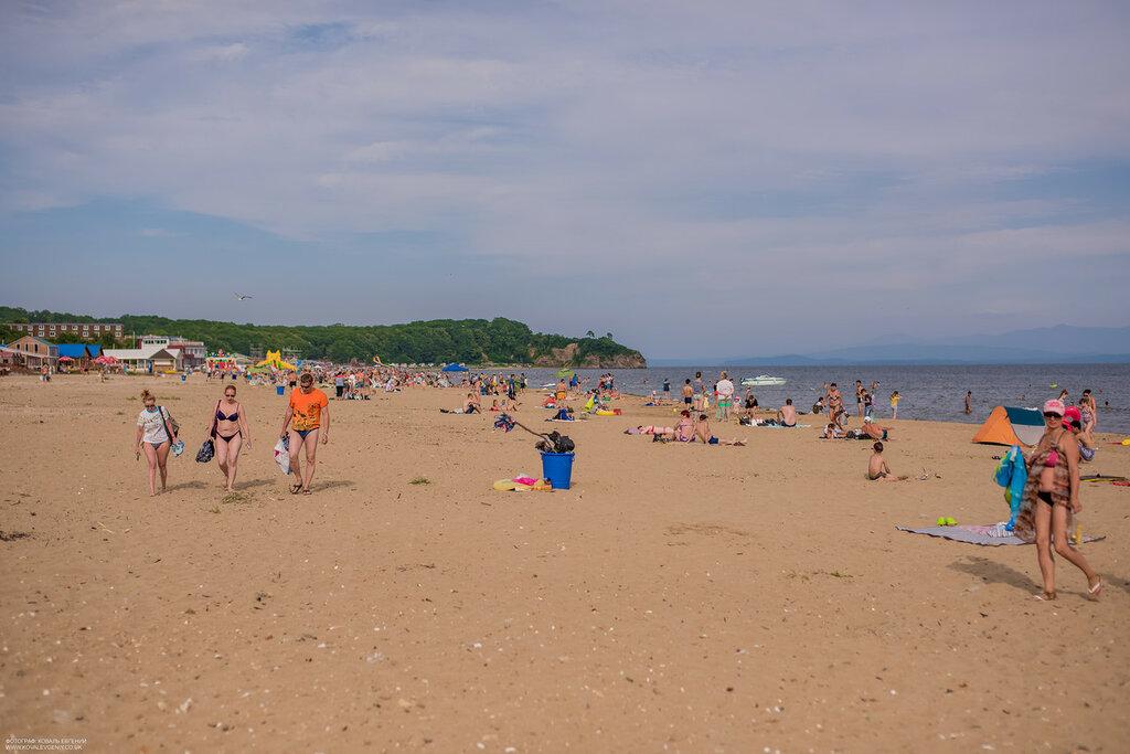 Эрекция на пляже #15