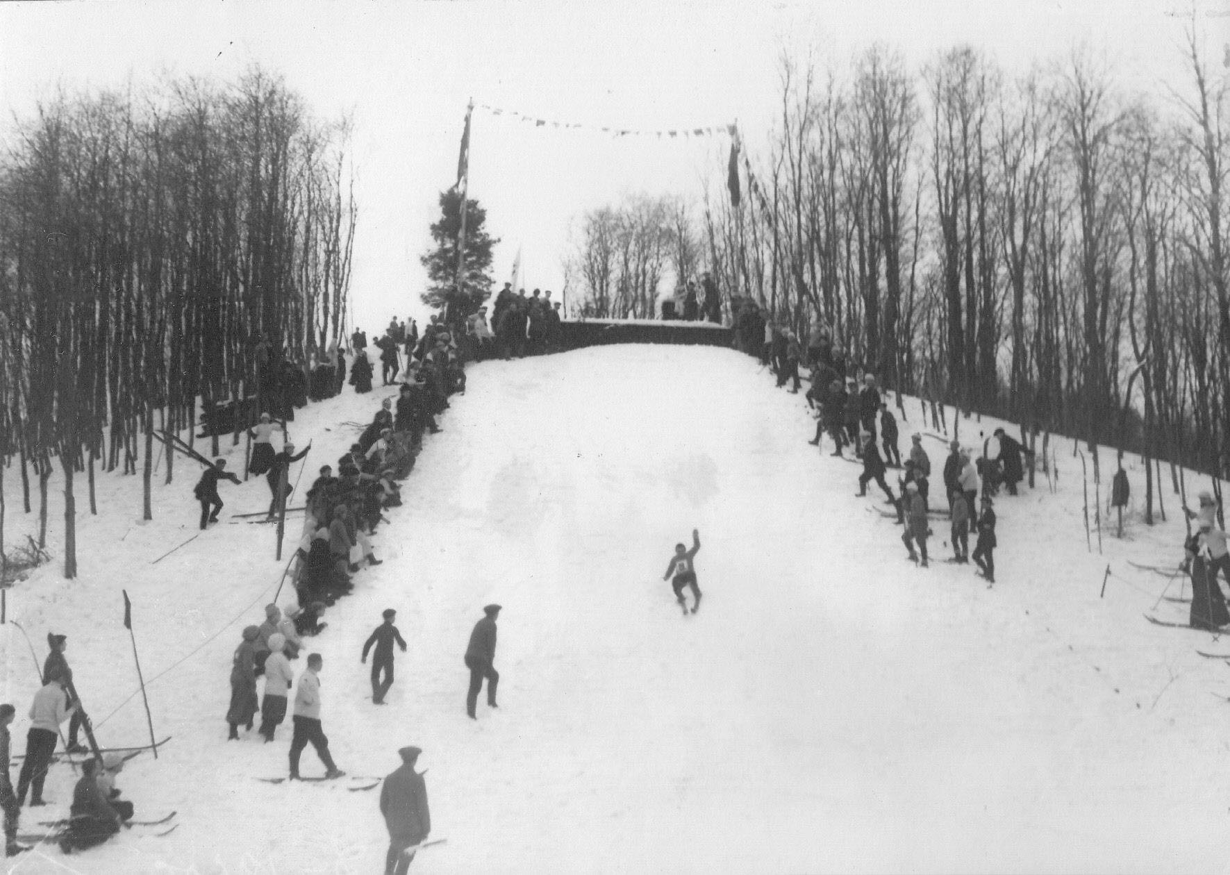 13. Соревнования лыжников