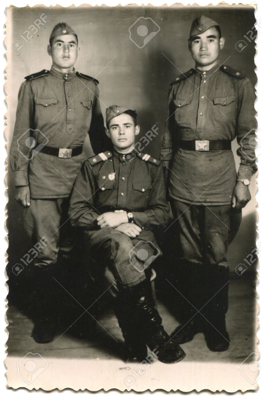 14499711-USSR-circa-1950-Cabinet-picture-Guard-sergeant-and-two-soldiers-of-the-Soviet-Army-Dilijan-also-Roma-Stock-Photo.jpg
