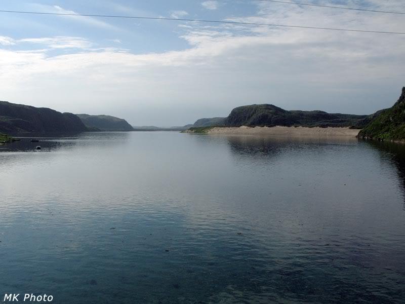 Река Териберка, подпруженная приливом