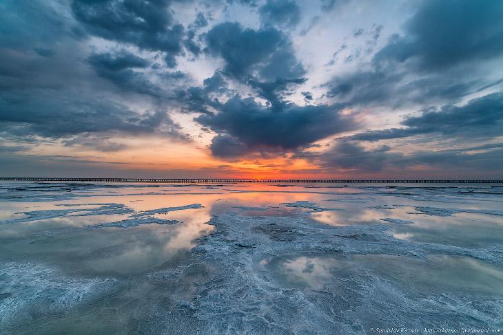 Фотографии Станислава Казнова   1. Солнце выходить не спешит и светопредставление показывает