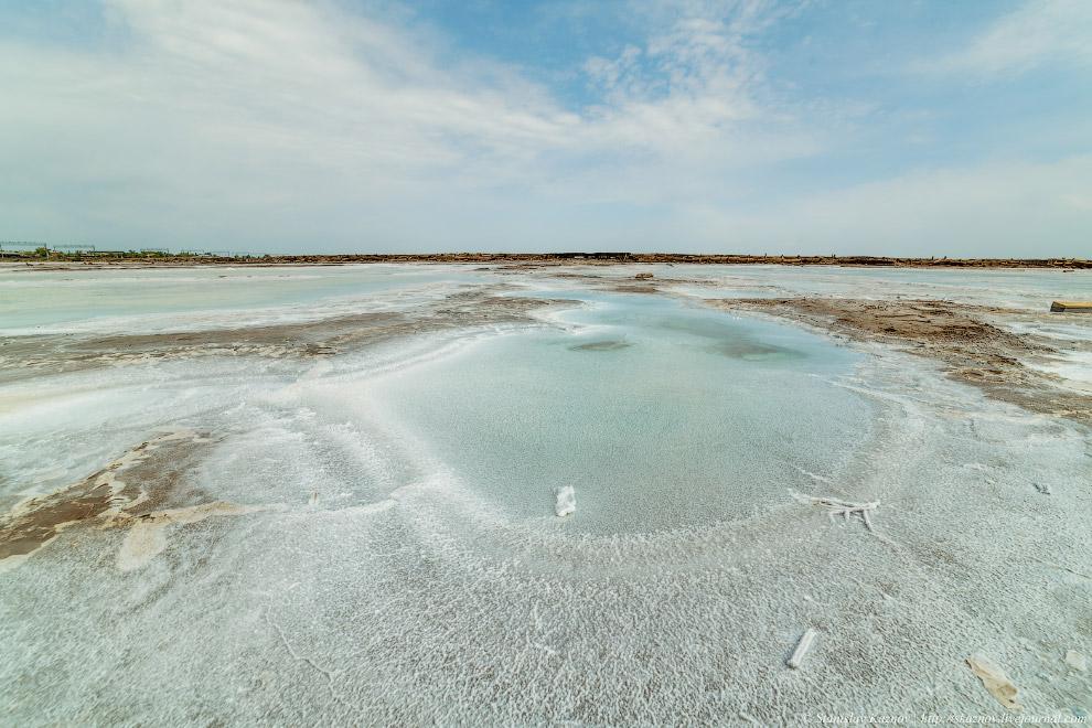 9. Озеро Баскунчак входит в состав уникального природного комплекса, включающего гору Большое Б
