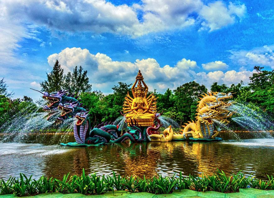 Фонтан Бодхисаттва Авалокитешвара, Древний город, Таиланд.