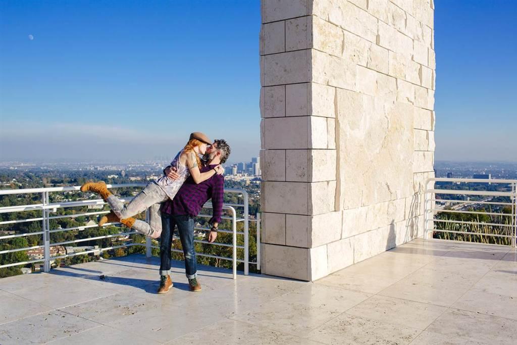 11. Пользователи по всему миру стали делать снимки в знаменитой позе Дэвида и Кендрик и размещать их