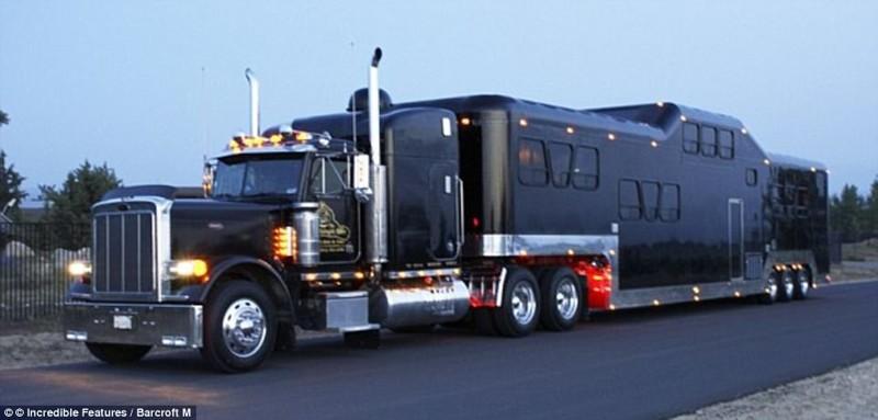 """""""Полуночный ездок"""" – самый тяжелый лимузин в мире, внесенный в 2011 году в Книгу рекордов Гиннеса. Е"""