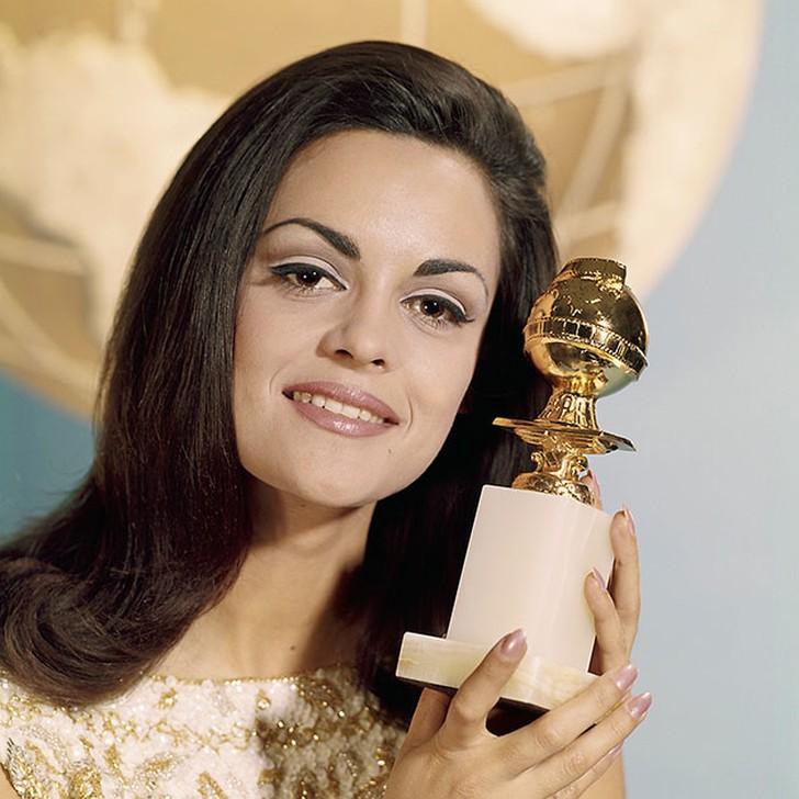 Коринна Тсопей, Греция. «Мисс Вселенная — 1964». 20 лет, рост 173 см.