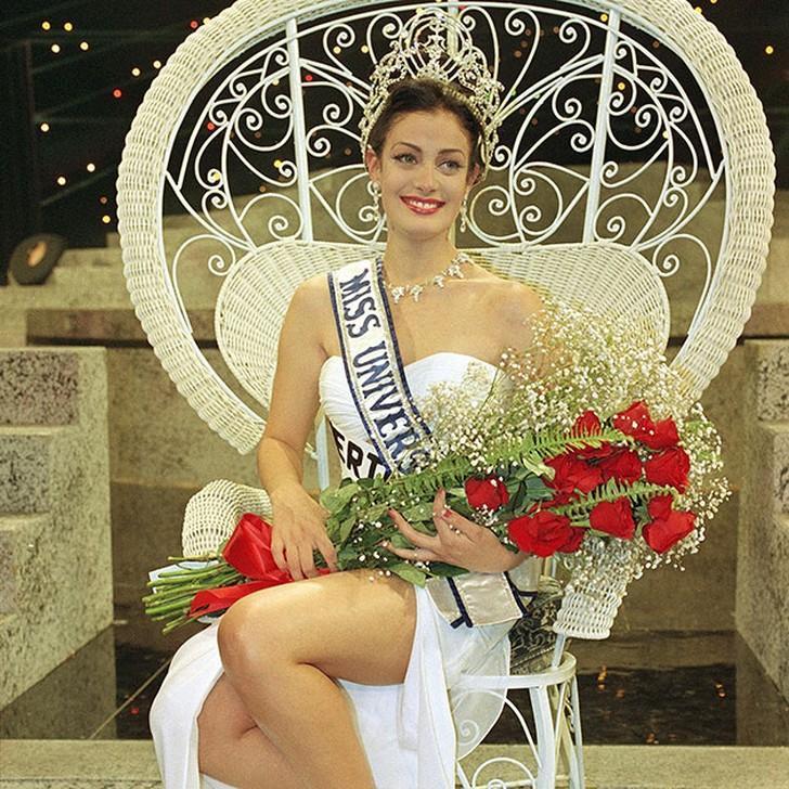 Дайанара Торрес, Пуэрто-Рико. «Мисс Вселенная — 1993». 19 лет, рост 174 см, параметры фигуры 89?
