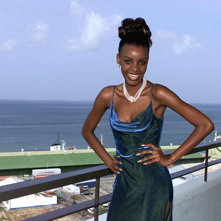 Мпуле Квелагобе, Ботсвана. «Мисс Вселенная — 1999». 19 лет, рост 178 см, параметры фигуры 91?59?