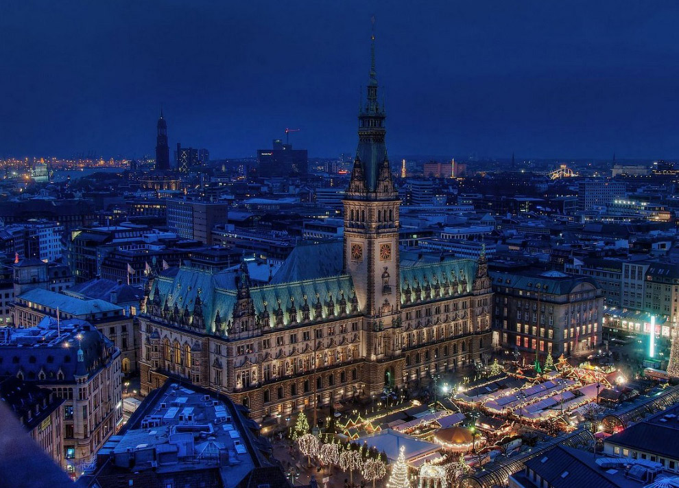 А ещё Гамбург занимает первое место среди городов Европы по количеству мостов (по разным данным