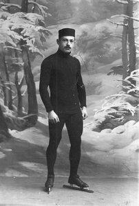 Н.В.Струнников, чемпион мира по бегу на коньках, на беговых коньках.