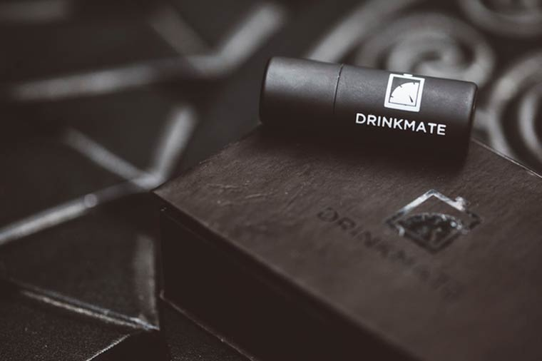 Drinkmate - A connected breathalyzer to share your drunkenness with your friends
