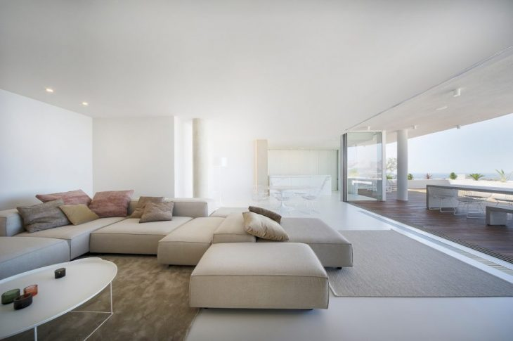 Apartment in the Sun by Filip Deslee