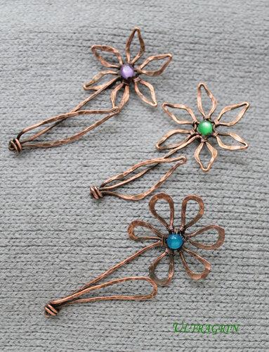 Броши цветы (4) на ткани