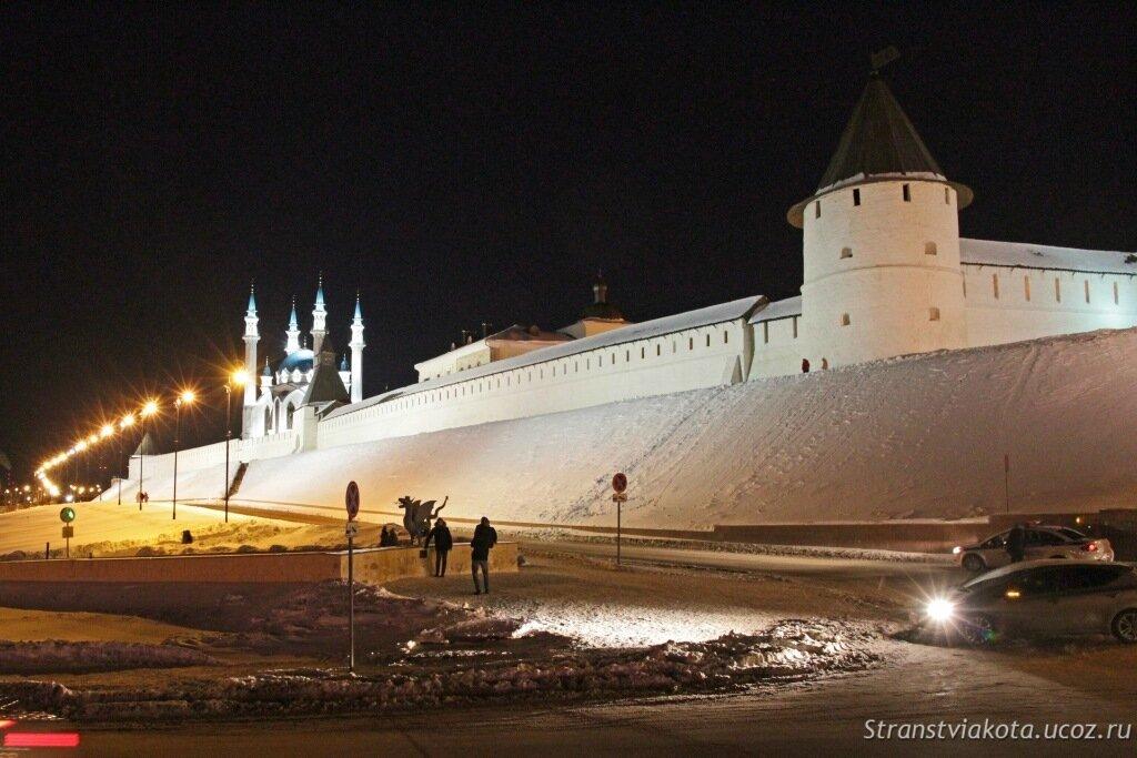 Казанский Кремль зимой, вечерняя подсветка