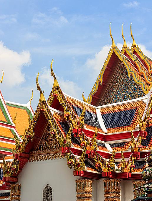 храм лежащего будды фото осень
