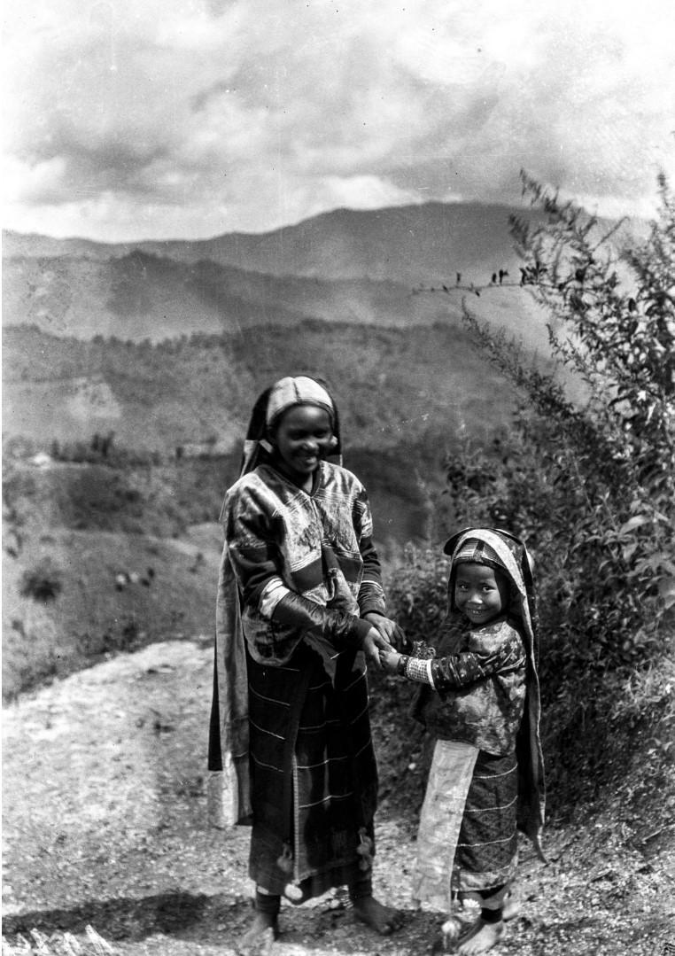 1006. Мать и дитя