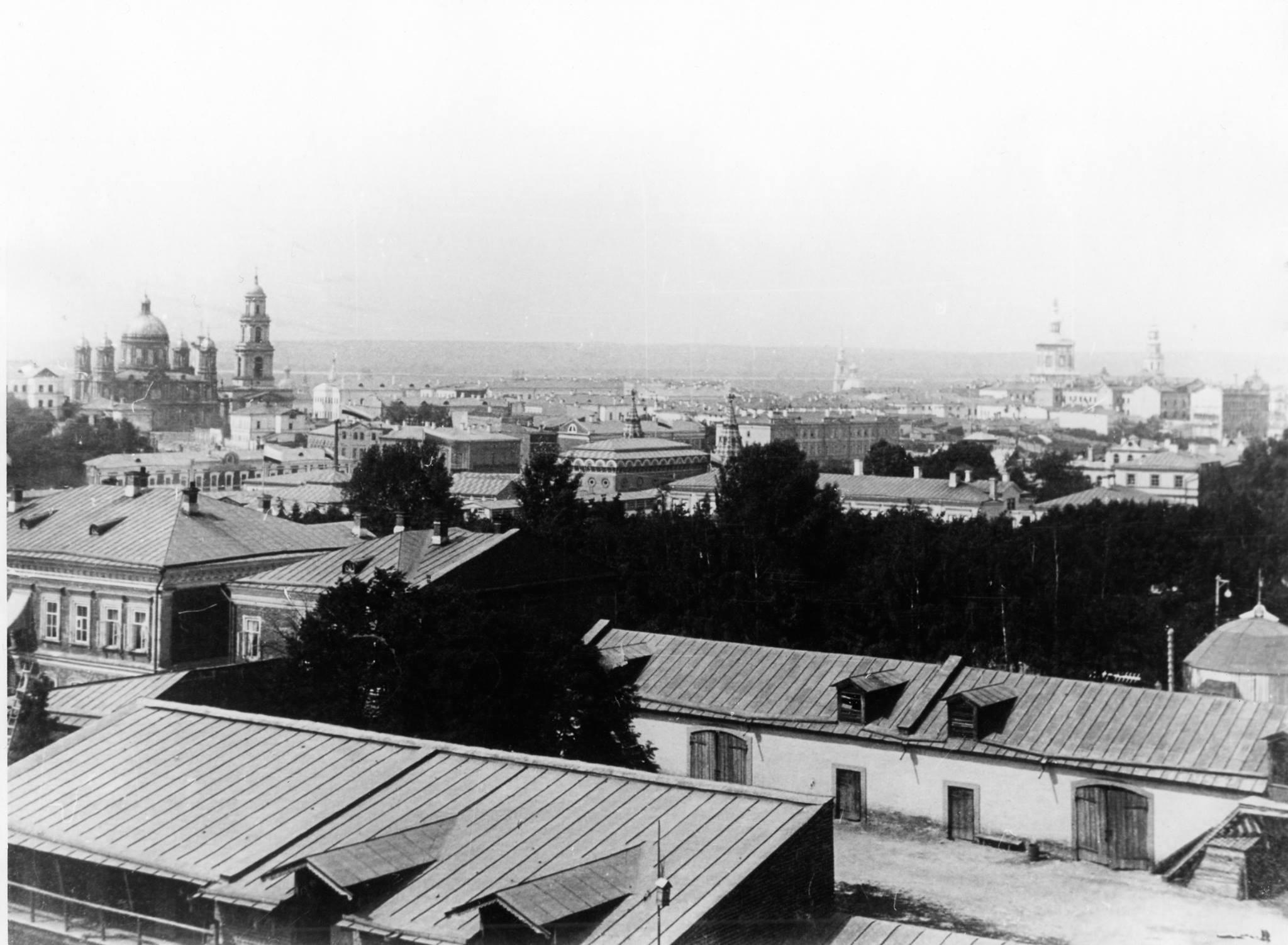 1890-е. Выставка на Николаевской площади с Грузинской церкви