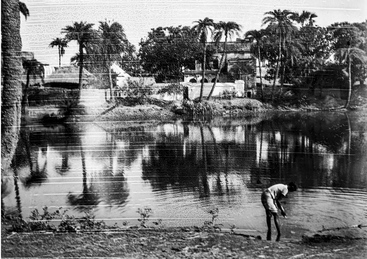 1355. Серул, Западная Бенгалия. Пруд
