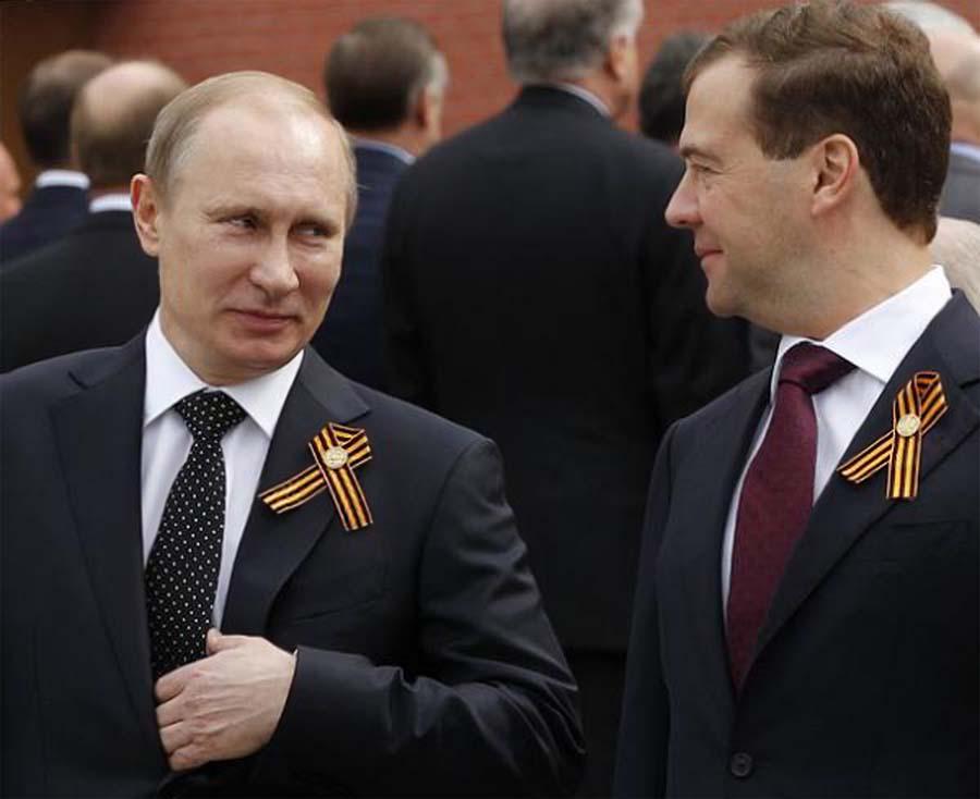 Владимир Путин и Дмитрий Медведев. Перегляд лидеров Кремля